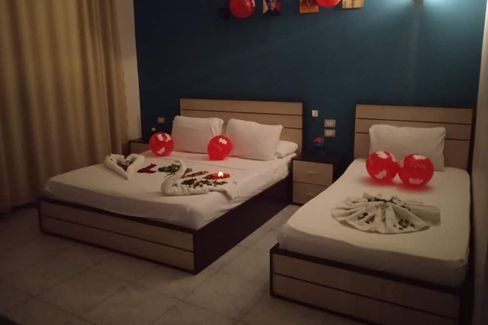 Deluxe - neljän hengen huone, Parveke - Vierashuone