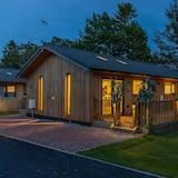 3 Bedroom 2 bathroom  luxurious lodge with hot tub stunning Northumberland