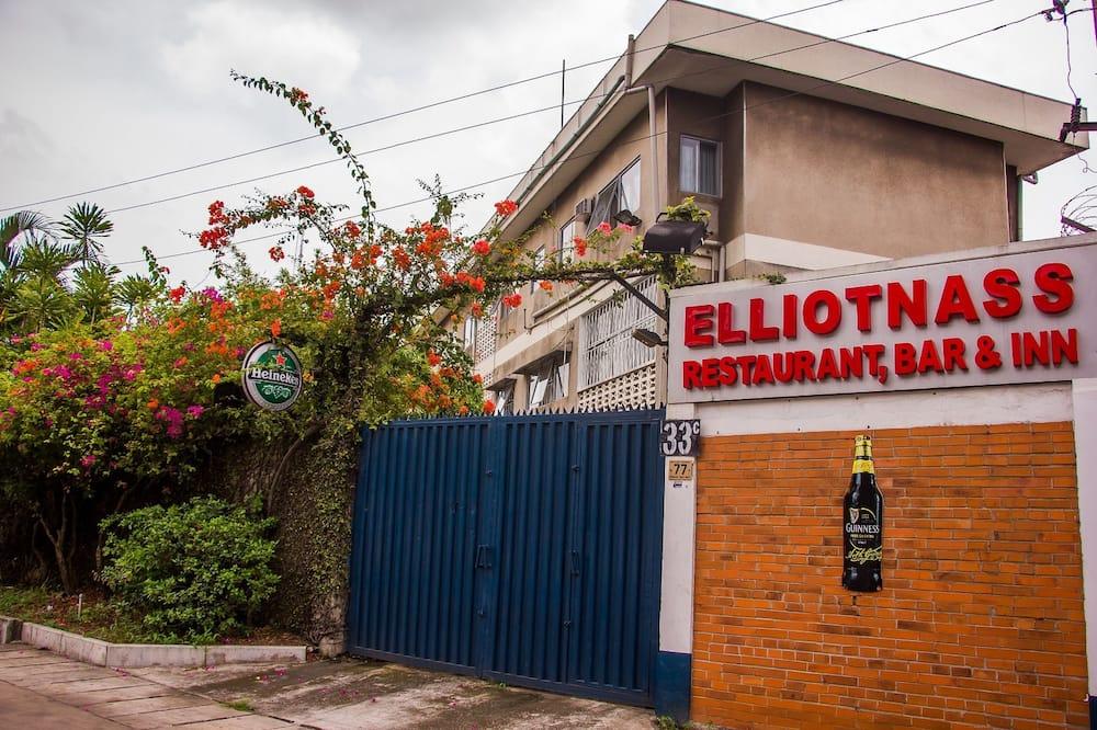 Elliotnass Hotel, Lagos