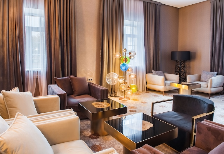 The ONE Hotel Astana, Nur-Sultan, Hotelový bar