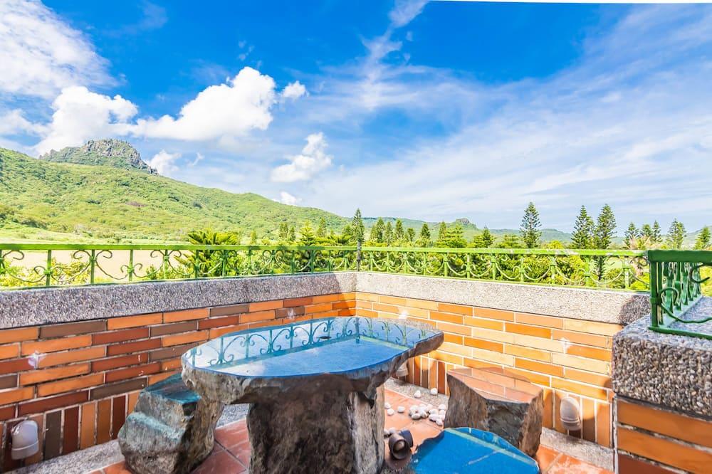 Basic Quadruple Room, Balcony, Mountain View - Guest Room