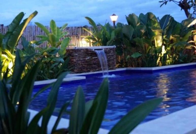 Pondok Jempiring Kuta Bali, Kuta, Ulkouima-allas