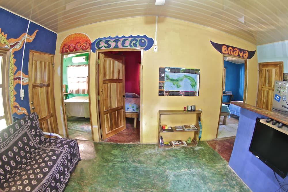 Economy Triple Room, Multiple Beds, Smoking - Living Area