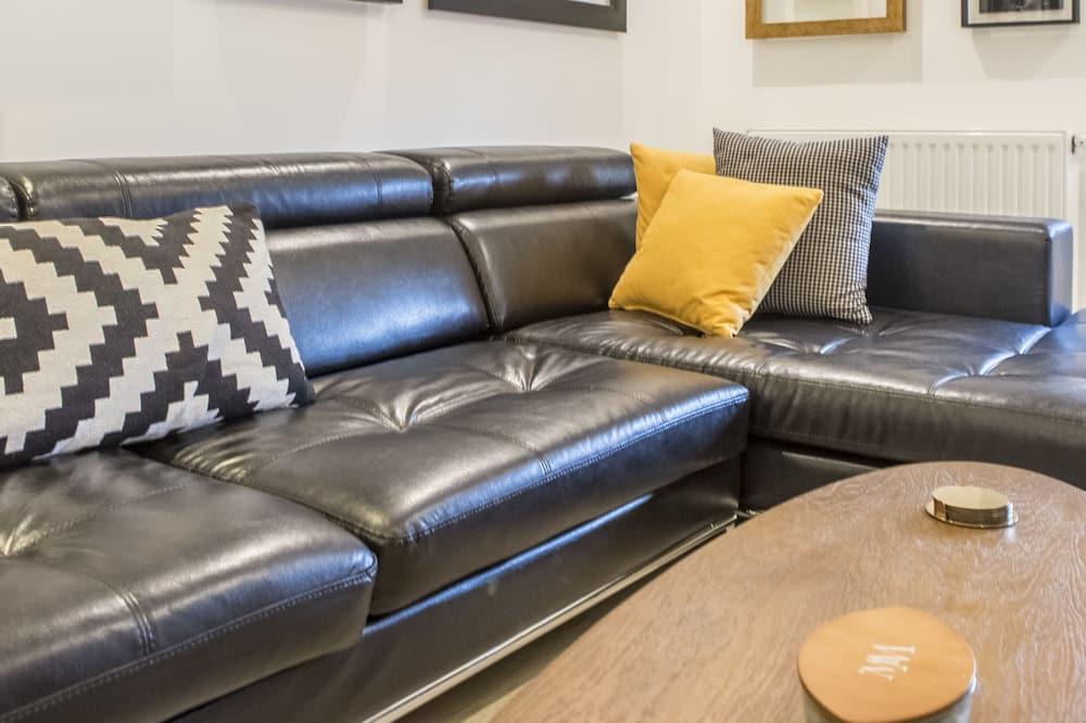 Розкішні апартаменти, 1 ліжко «квін-сайз» та розкладний диван, для некурців - Житлова площа
