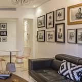 Розкішні апартаменти, 1 ліжко «квін-сайз» та розкладний диван, для некурців - Вітальня