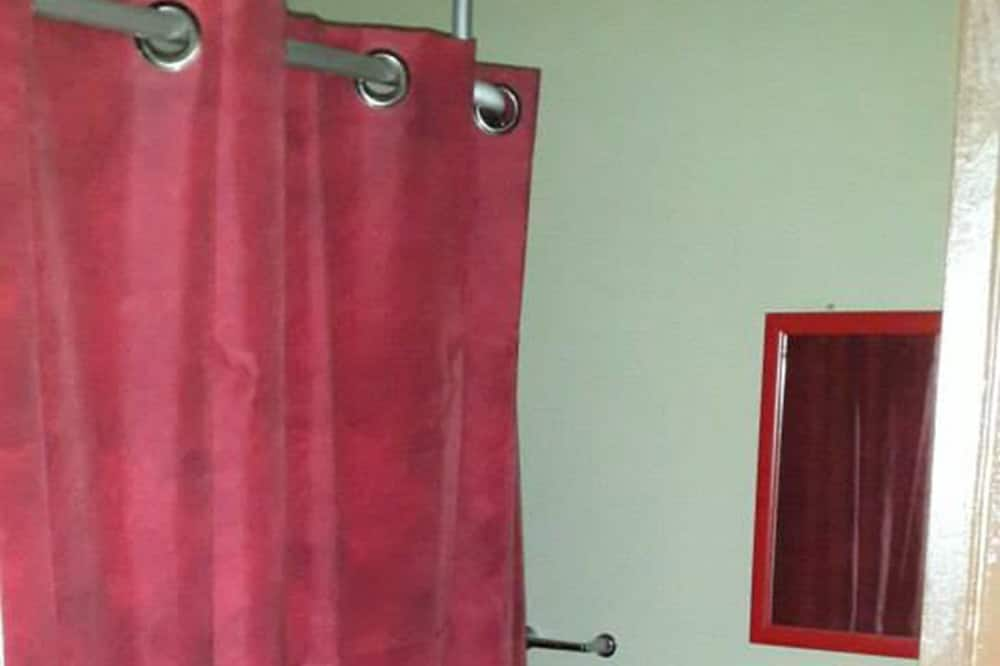 Basic Single Room, 1 Bedroom - Bathroom