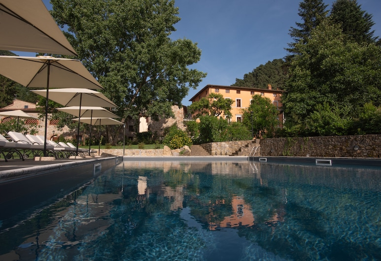 雷里亞斯羅德斯奇府飯店, 卡馬約雷, 室外游泳池