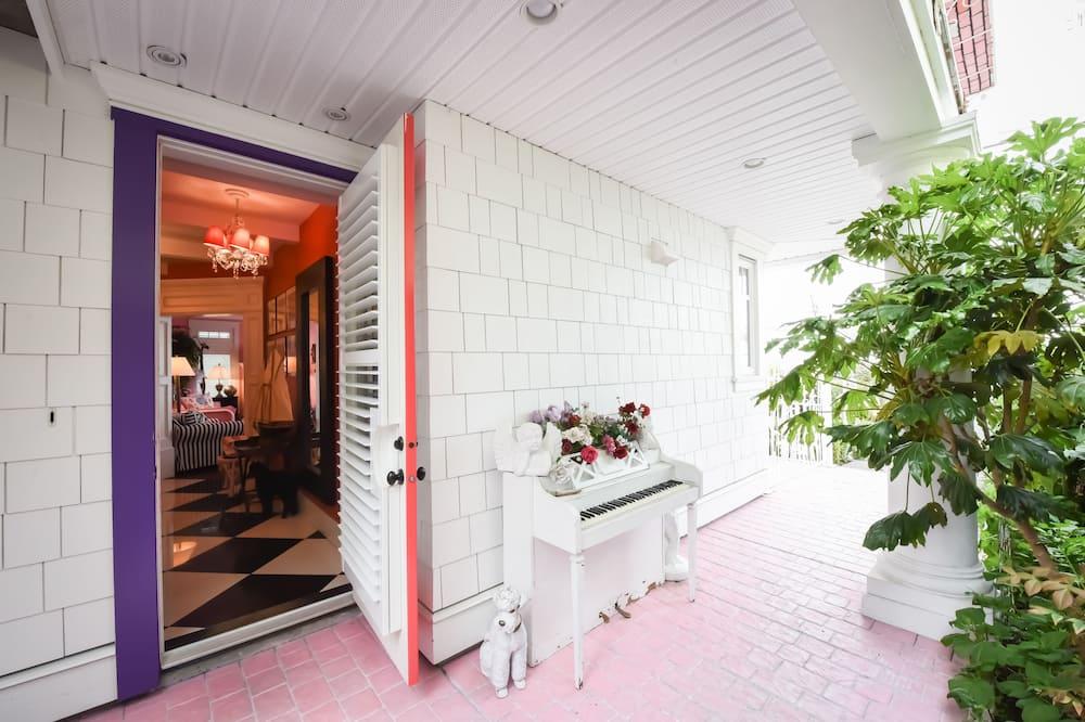 Pokoj Deluxe s dvojlůžkem, 1 ložnice, kuchyně, výhled na pláž - Obývací prostor
