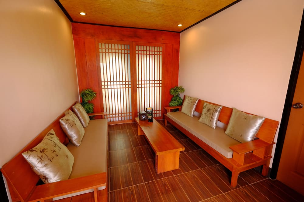 Family Bungalow for 6 People  - Woonkamer