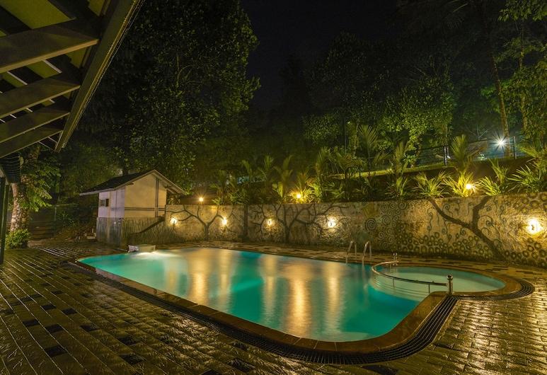 Adithya Nature Resort & Spa, Vayittiri, Outdoor Pool