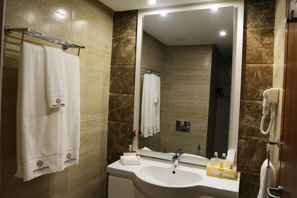 Kamar Double Eksekutif - Kamar mandi