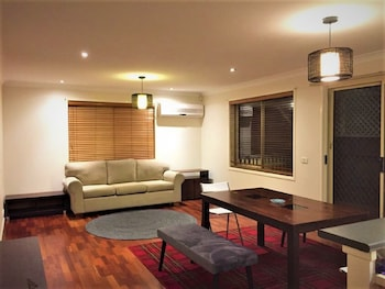 Picture of Spacious & Quiet Home in Stanhope in Stanhope Gardens