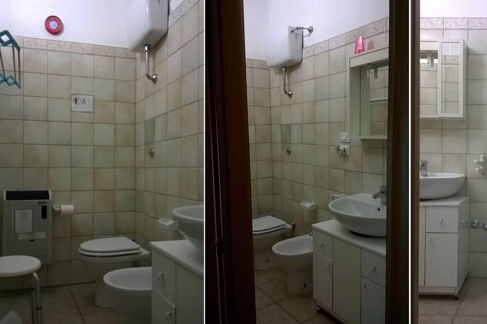 Habitación cuádruple, baño privado - Baño