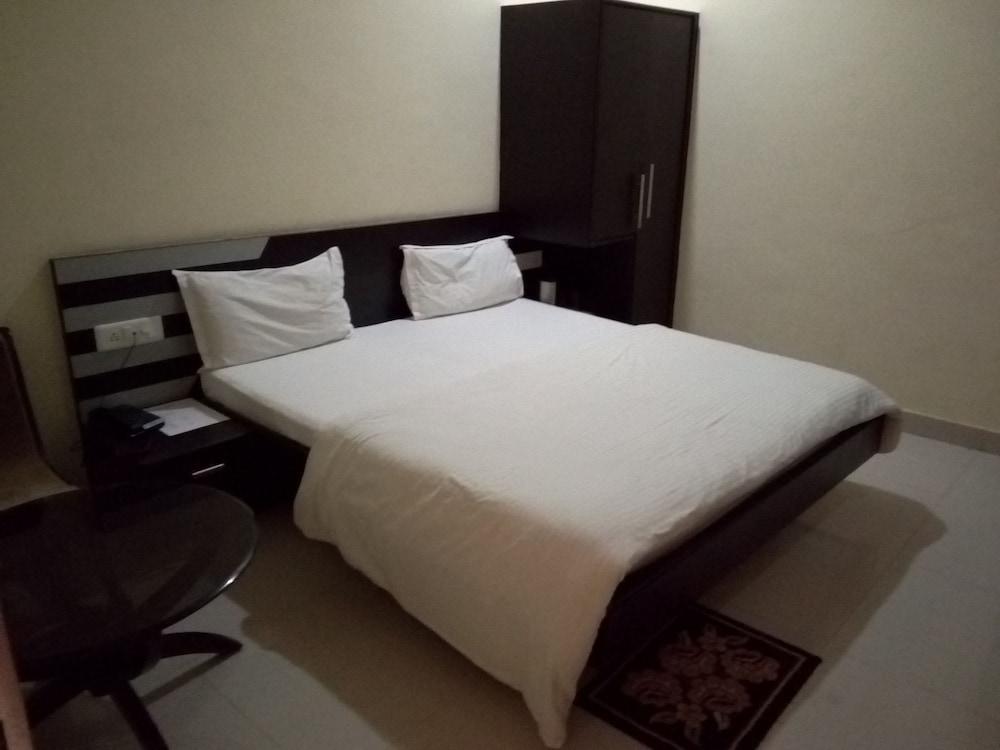 Letti Ad Angolo Matrimoniali : Prenota hotel shree jee a divisione di chitrakoot hotels.com