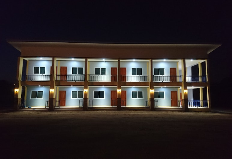 Pagobsub Apartment, Sattahip, Hotel Front – Evening/Night