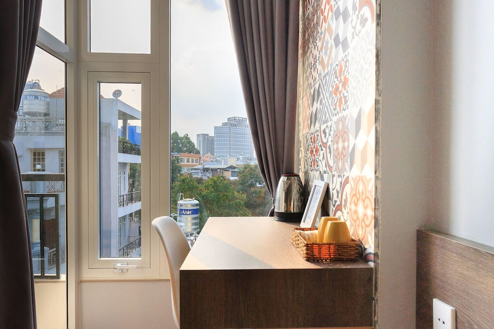 City Double Room, 1 Queen Bed, City View - Balcony