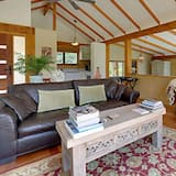 Luxury Studio, 1 King Bed - Living Room