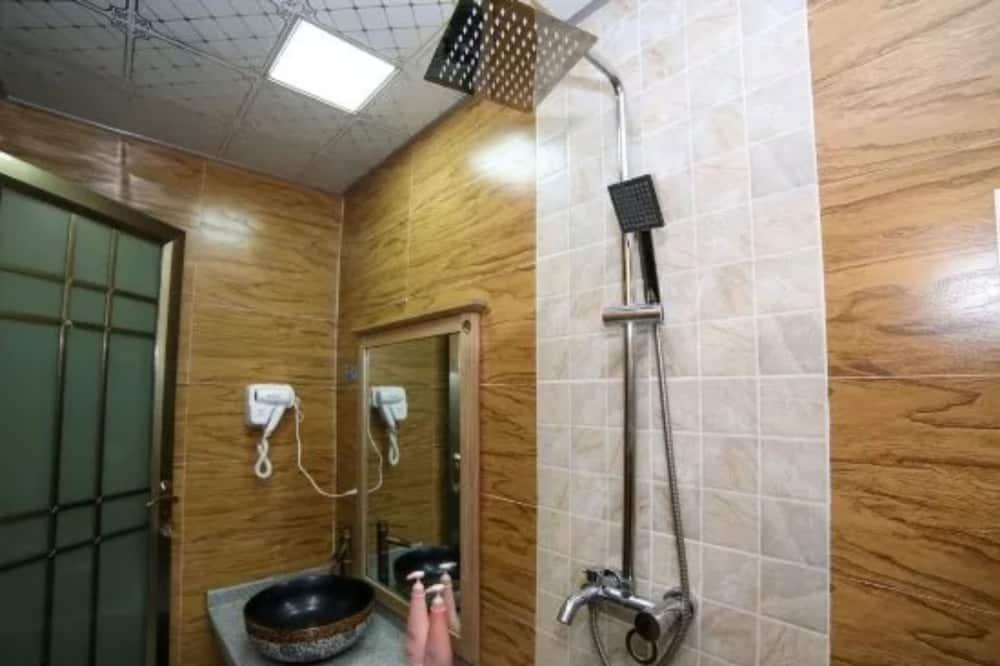 Comfort Twin Room - Bathroom Shower