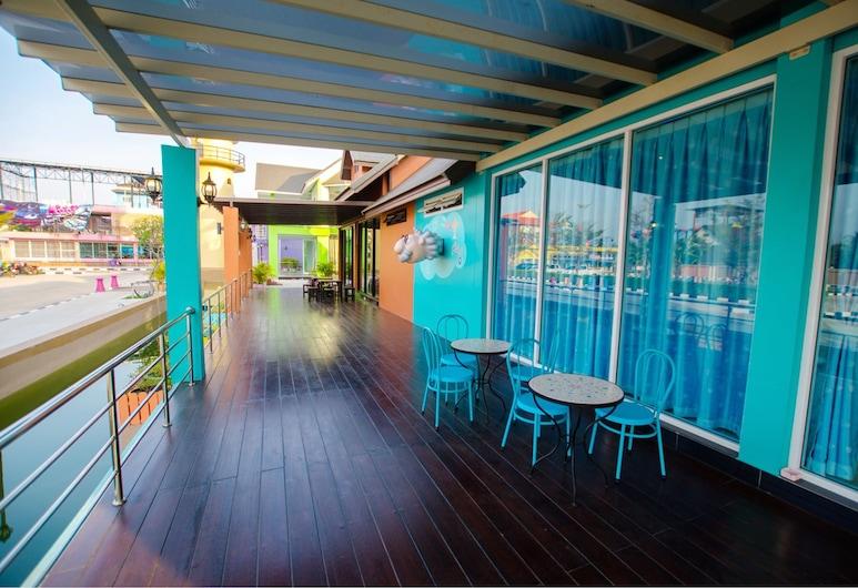 Usotel Waterland Hotel, Udon Thani, Taras/patio