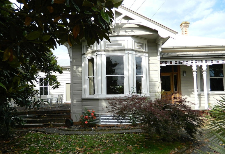 The Villa Bed And Breakfast, Paeroa, Hotellets front