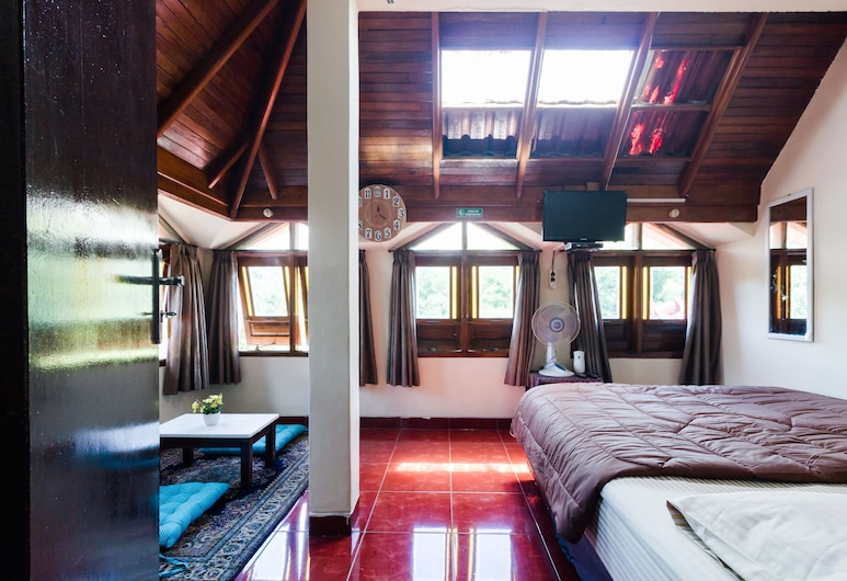 Pele Backpacker Guesthouse, Bandung, Double Room, Shared Bathroom, Guest Room
