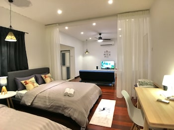 Picture of iBook 8 -Superior 1Bedroom Gurney Suites in George Town