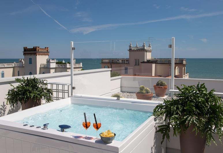 Hotel Greif, Jesolo, Panorámás négyágyas szoba, kilátással a tengerre, Tetőterasz