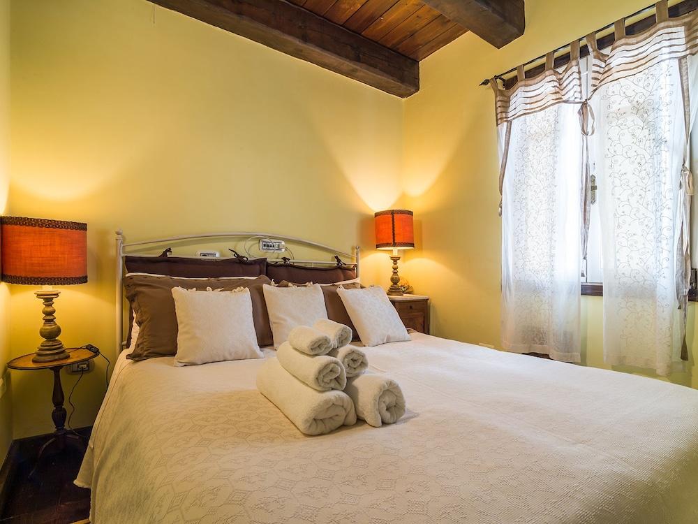 Book La Terrazza Sul Borgo in Cagliari   Hotels.com