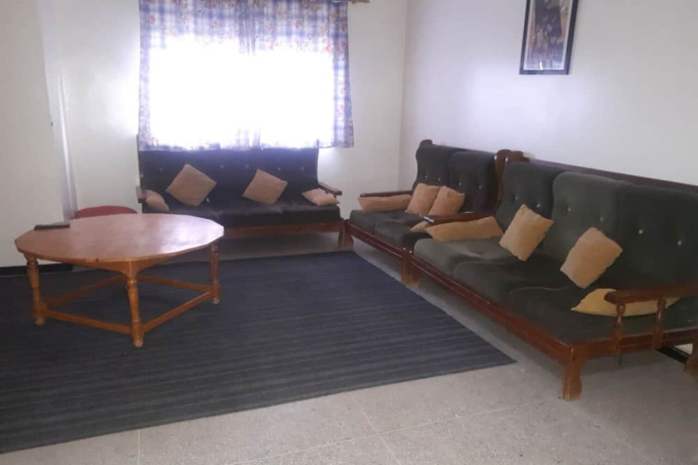 Economy Apartment, 2 Bedrooms - Living Room