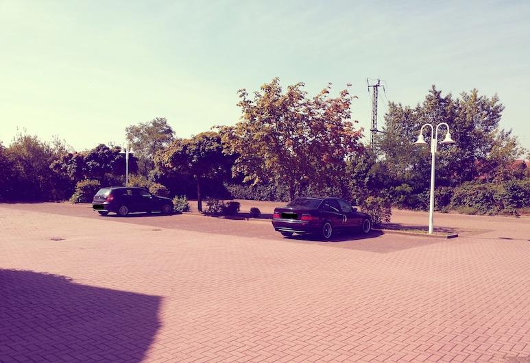 ates Hotel Lampertheim, Lampertheim, Property Grounds