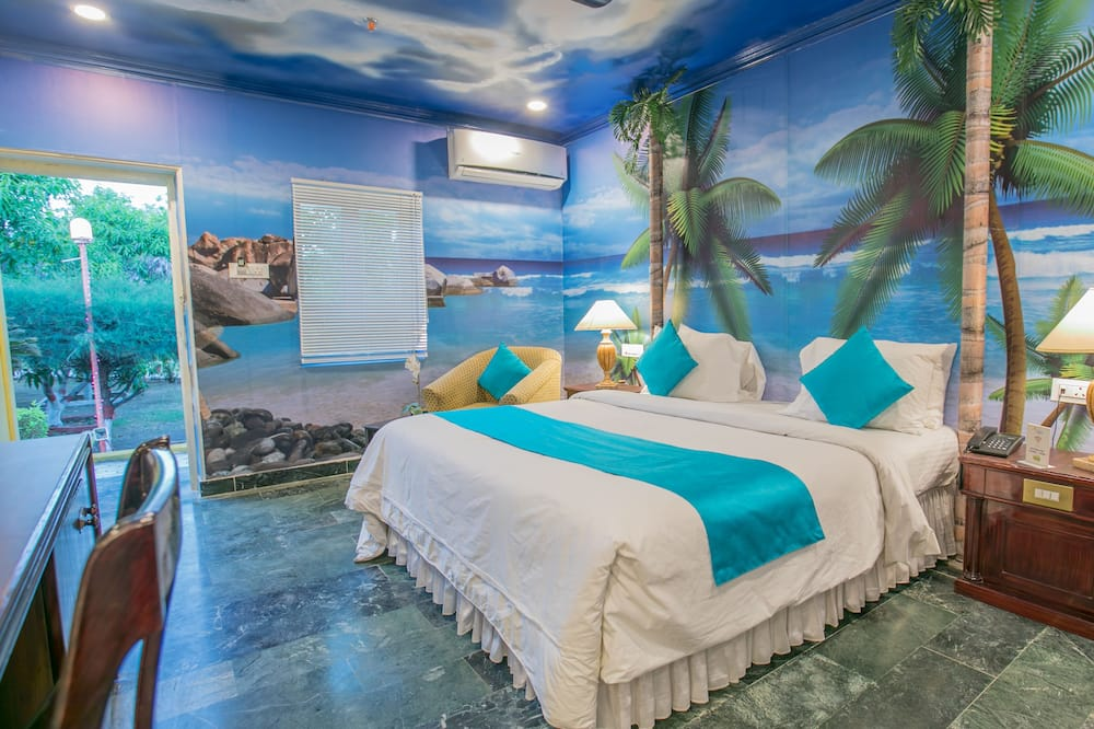 Pokój dwuosobowy typu Superior, 1 sypialnia, przystosowanie dla niepełnosprawnych, widok na basen - Salon