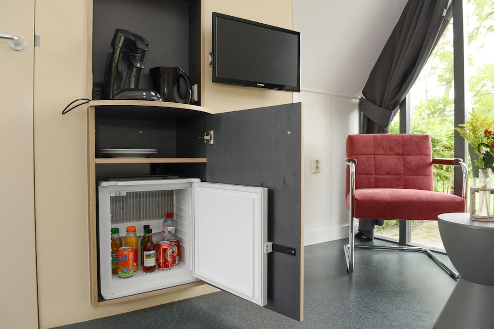 Deluxe Room - Mini Refrigerator