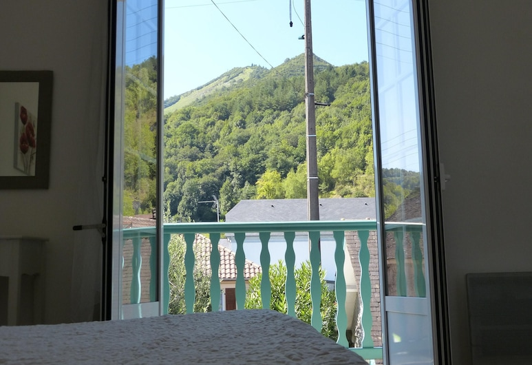House With 2 Bedrooms in Lourdes, With Wonderful Mountain View, Furnished Terrace and Wifi - 15 km From the Slopes, Lourdes, Dağ Manzaralı