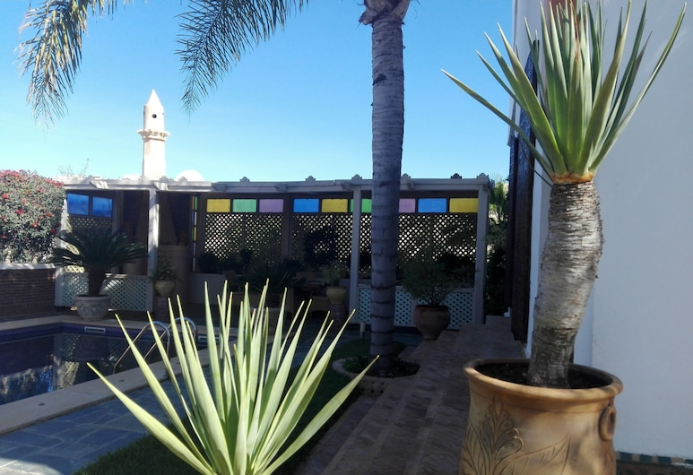 Villa Najat, Agadir, Aed