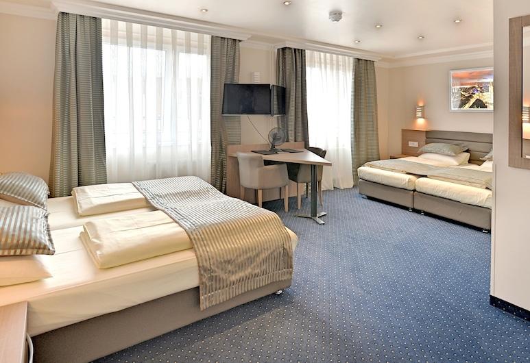 St.Joseph Hotel Hamburg - St.Pauli Kiez Reeperbahn, Hamburg, Vierbettzimmer, Zimmer