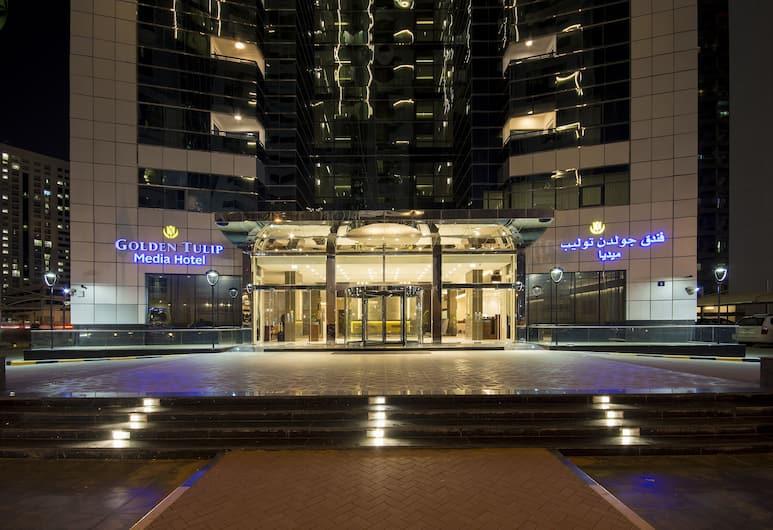 Golden Tulip Media Hotel, Dubajus, Įėjimas į viešbutį