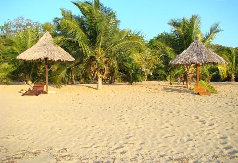 Reva Castel, Nosy Be, Playa