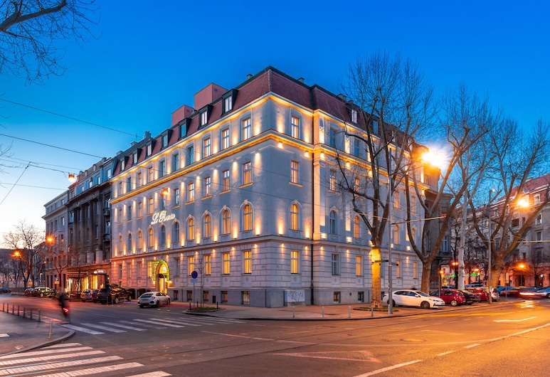 Le Premier Boutique Hotel, Zagreb, Hotel Front – Evening/Night