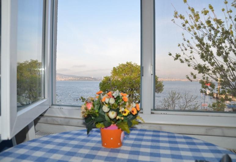 Prenset Pansiyon , אדאלאר, חדר גראנד זוגי, נוף לים, חדר אורחים