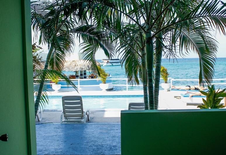 Ocean Palms Resort, Ocho Rios, Előterasz