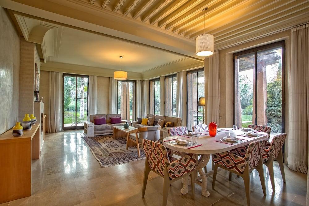 Villa – luxury, utsikt mot basseng (3 Suites Luxe) - Stue