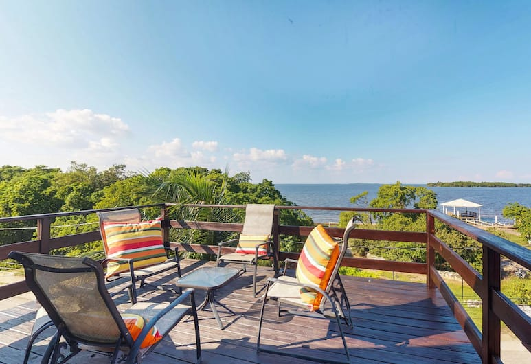 A Penthouse with a View, Belize City, Classic House, 1 Bedroom, Beach View, Oceanfront, Terrace/Patio