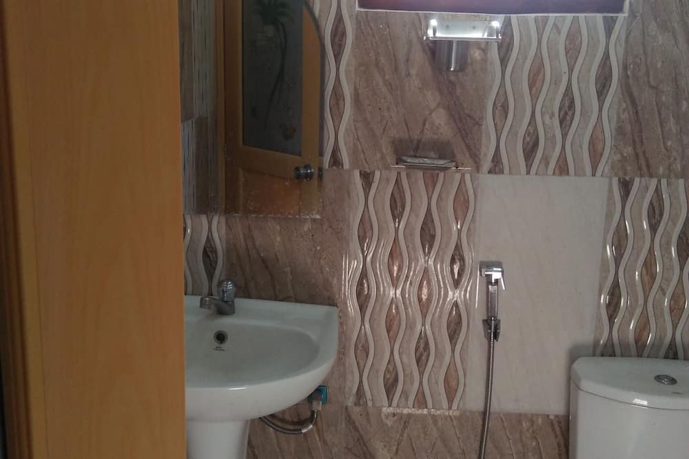 Deluxe Room, 1 Double Bed, Lake View, Lakeside - Bathroom