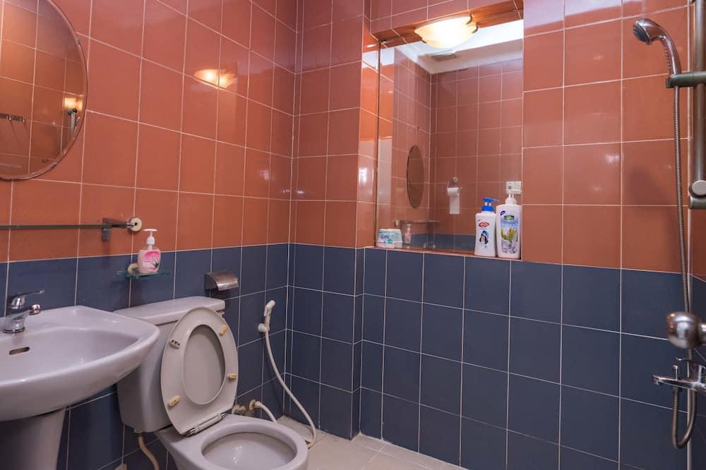 Superior-Zimmer, Mehrere Betten, Nichtraucher, eigenes Bad - Badezimmer