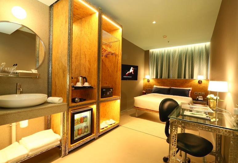 IND Hotel, Kowloon