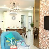 Apartment, 2 Bedrooms (Scenic Valley) - Living Area