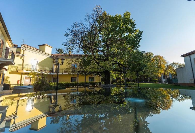 Center Hotel, Trieste, Parco della struttura