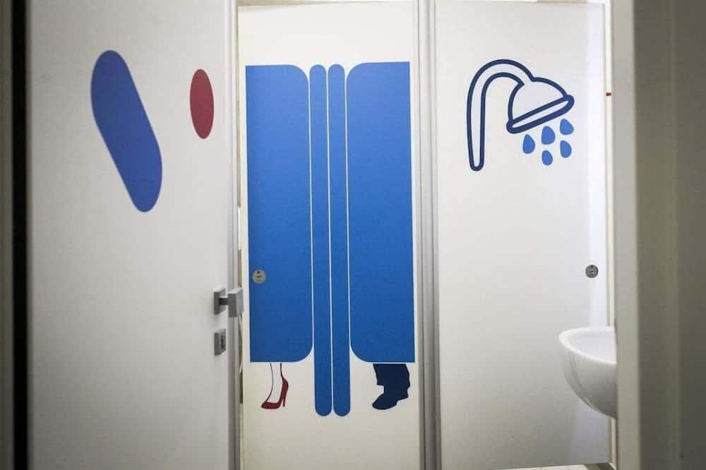 Семейный номер (1 Capsule double and 2 Capsule single) - Ванная комната