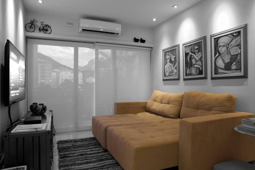 Apartment, 2 Bedrooms, Non Smoking, 2 Bathrooms - Living Room