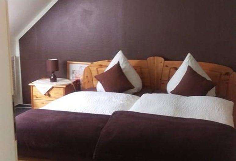 Hotel am Schenkelberg, Saarbruecken, חדר זוגי, חדר אורחים